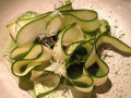 Grön sparris, zucchini, ost